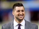 Tebow led plane in prayer during emergency