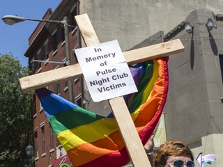 Cincinnati pride parade honors Orlando victims