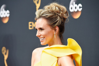 GALLERY: Red carpet looks from 2016 Emmy Awards