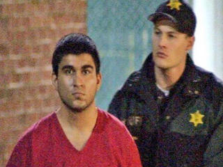 Shopping mall shooter confesses to killing 5