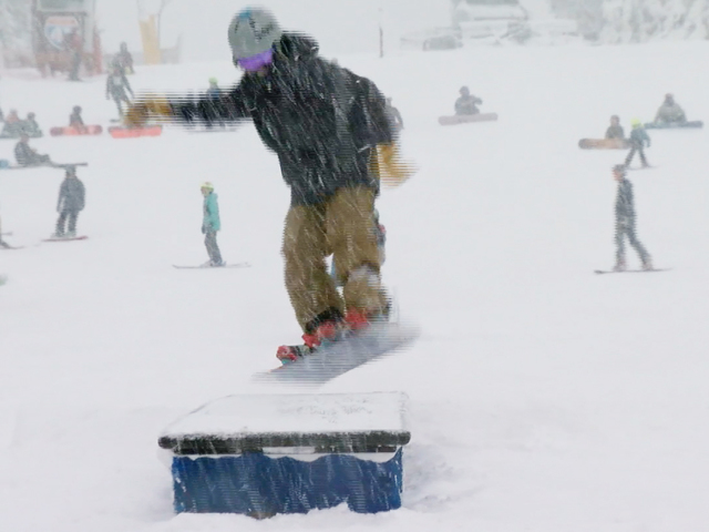 First snowfalls are spreading across the U.S.