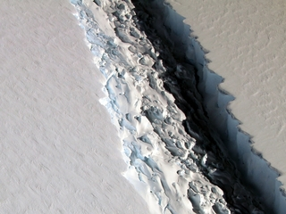 Just how big is a 2,300-square-mile iceberg?