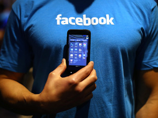 Facebook rolls out food ordering service
