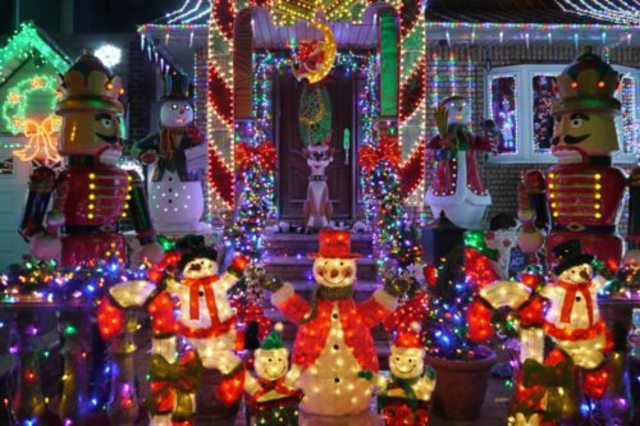Duke calculator shows cost of Christmas lights