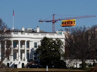 Greenpeace hangs 'resist' banner in D.C.