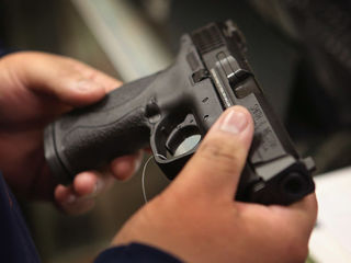 Poll: 7 in 10 support tighter gun laws