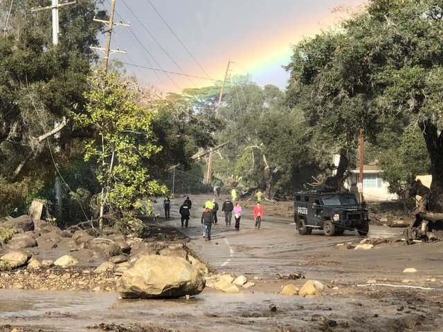 Desperate search for survivors in California mudslides