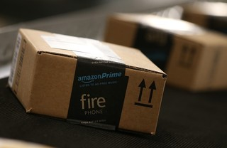 Amazon offers in-car delivery to select vehicles